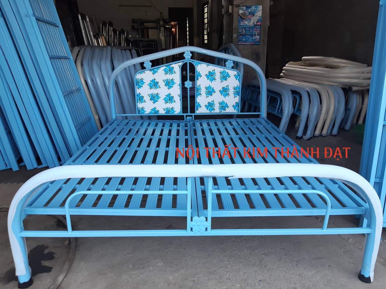 Giường sắt sơn tĩnh điện 1M6